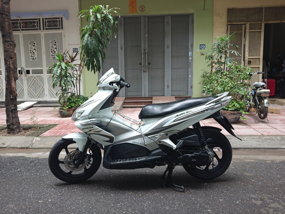 Can ban Honda Airblade fi doi 2011 nep ma vanh 6 nan chinh chu mau trang - 4