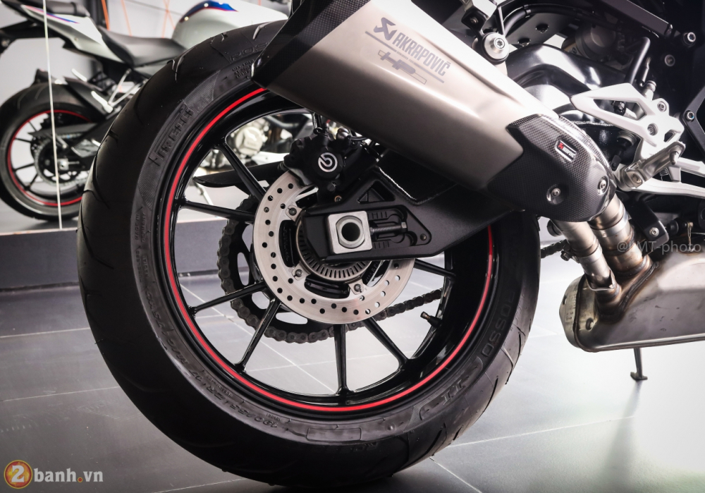 Can canh BMW S1000R 2018 full option co gia tu 529 trieu VND tai Viet Nam - 17