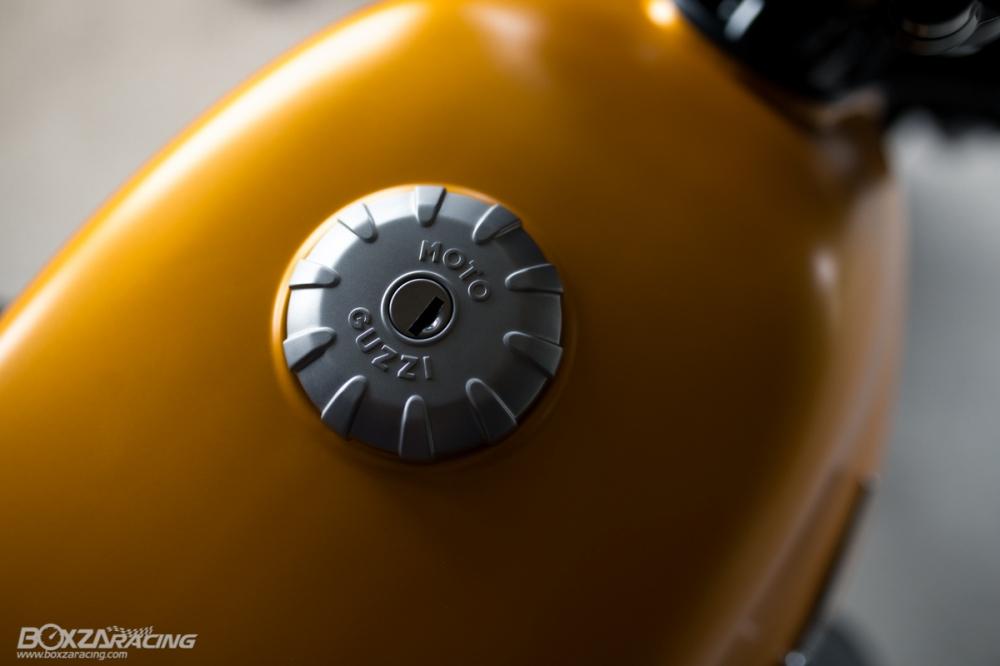 Can canh Moto Guzzi V7 III Stone phien ban ky niem 50 nam - 6
