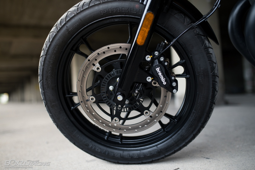 Can canh Moto Guzzi V7 III Stone phien ban ky niem 50 nam - 8