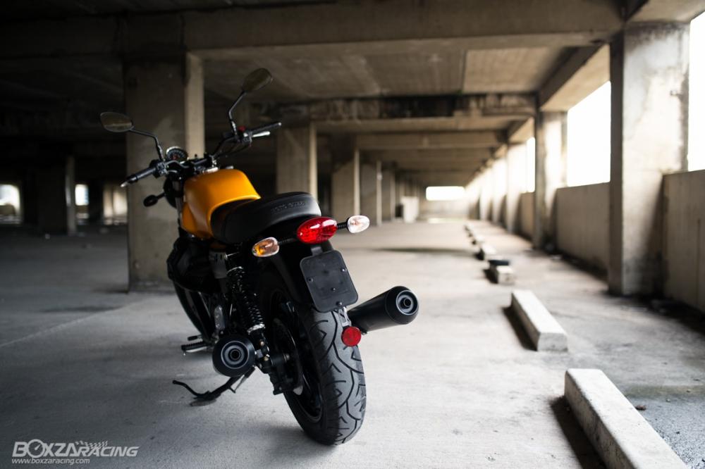 Can canh Moto Guzzi V7 III Stone phien ban ky niem 50 nam - 11