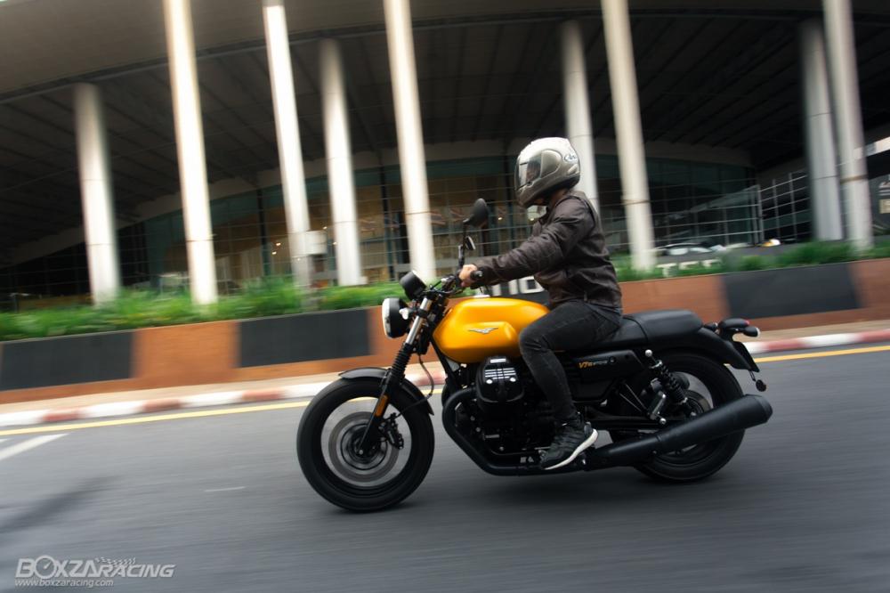 Can canh Moto Guzzi V7 III Stone phien ban ky niem 50 nam - 13