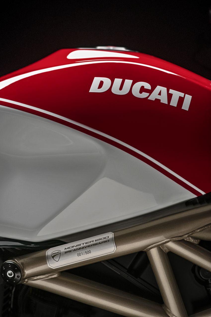 Ducati Monster 1200 phien ban ky niem 25 nam - 11