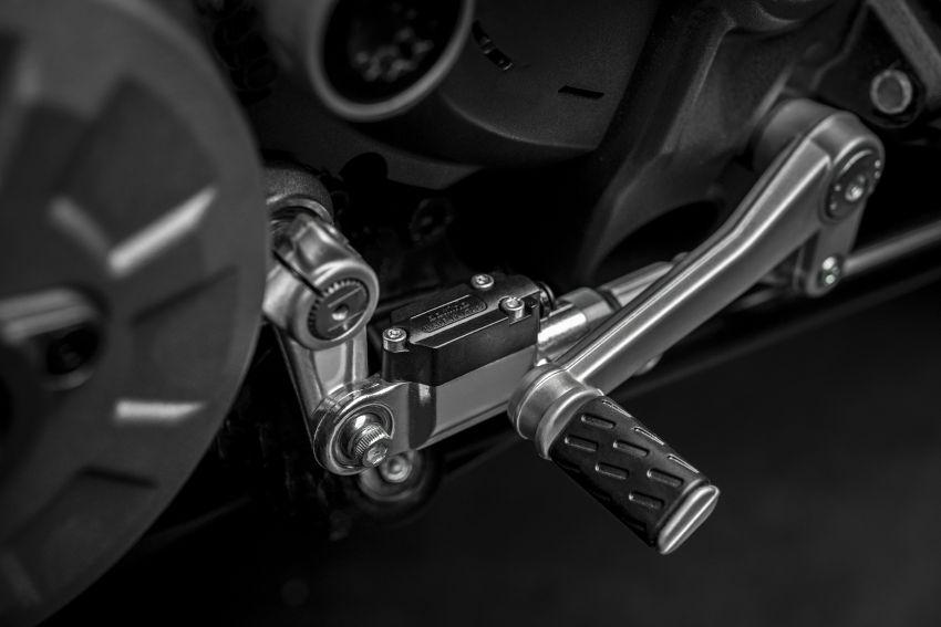 Ducati Monster 1200 phien ban ky niem 25 nam - 15