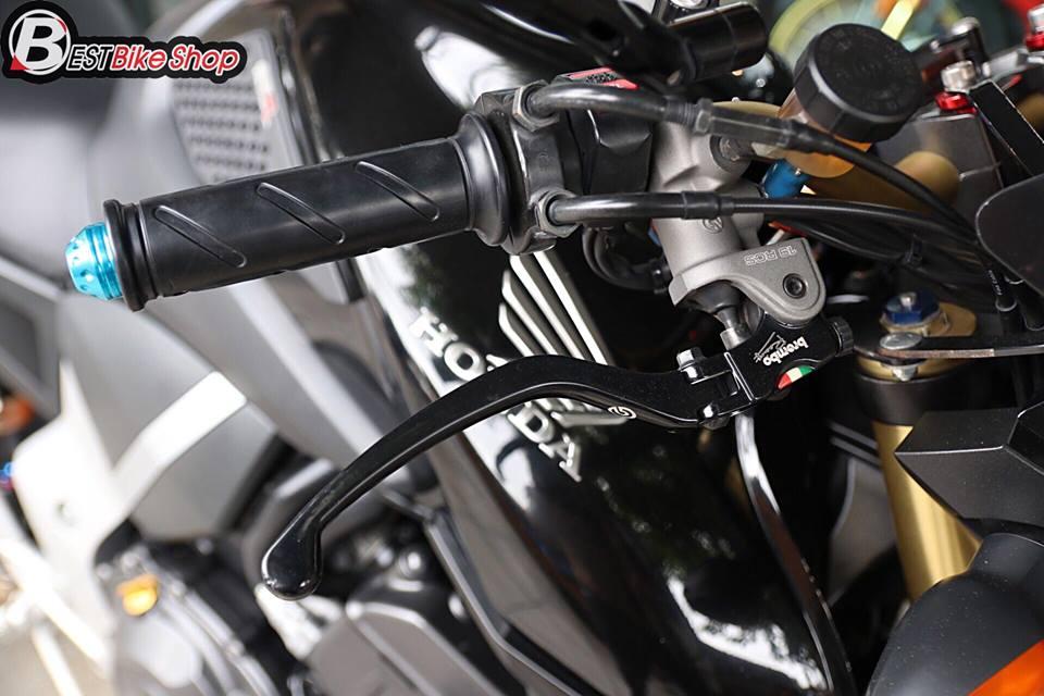 Honda CB1000R ban nang cap tu mau Nakedbike vang bong mot thoi - 4