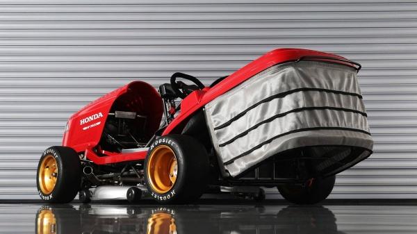 Honda Mean Mower V2 May cat co trang bi dong co CBR1000RR - 3