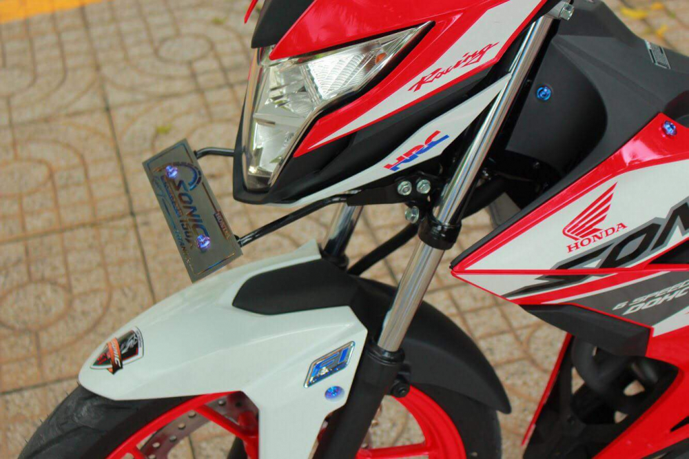 Honda Sonic Voi Ve Dep Binh Dan Den Tinh Te Cua E Hs Cap 3