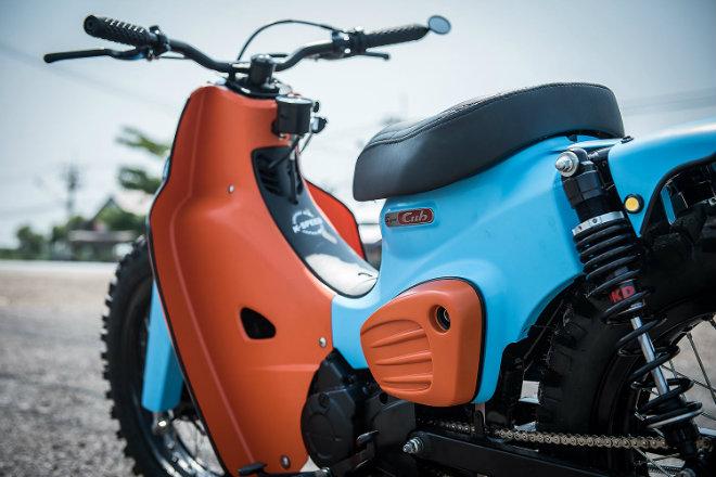 Honda Super Cub do phong cach Scrambler cua sieu sao nhac Rap ThaiLand