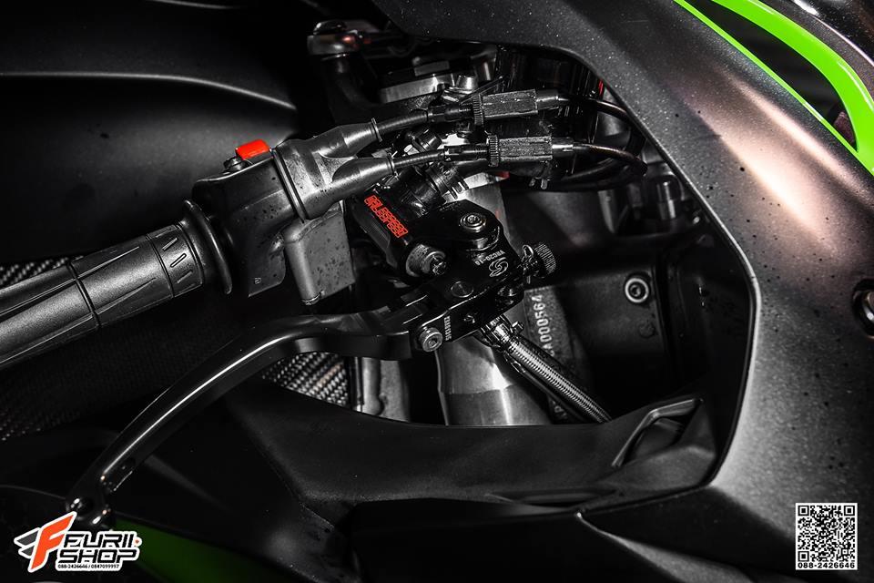 Kawasaki ZX10R ban do cang det voi mau ao Matte Black - 4