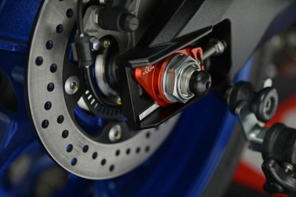 Suzuki GSXR1000R Team Classic Edition phien ban ki niem 33 nam - 7