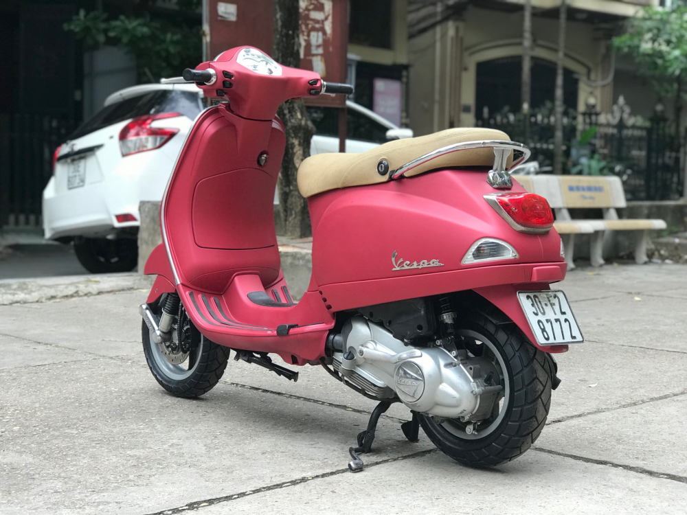 Vespa LX 125 nhap Y phien ban mau Do San bien 30F2 8772 - 4