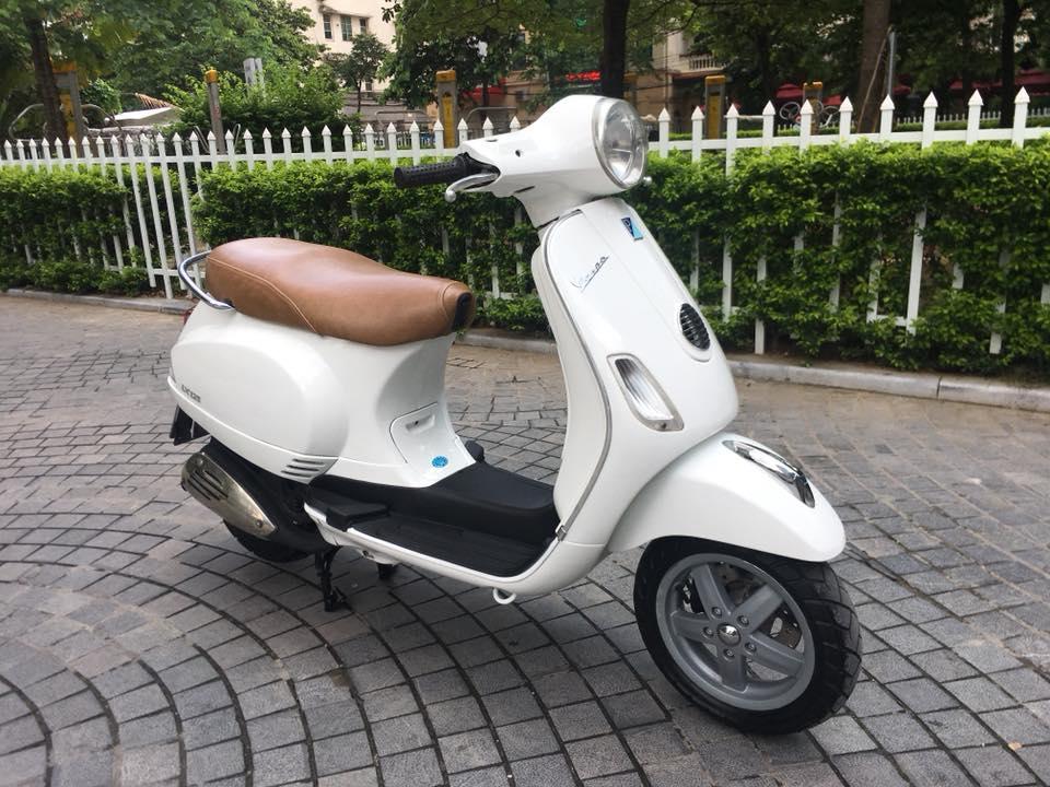 Vespa Lx 125cc VN mau trang bien Ha noi 30K7_7866 - 2