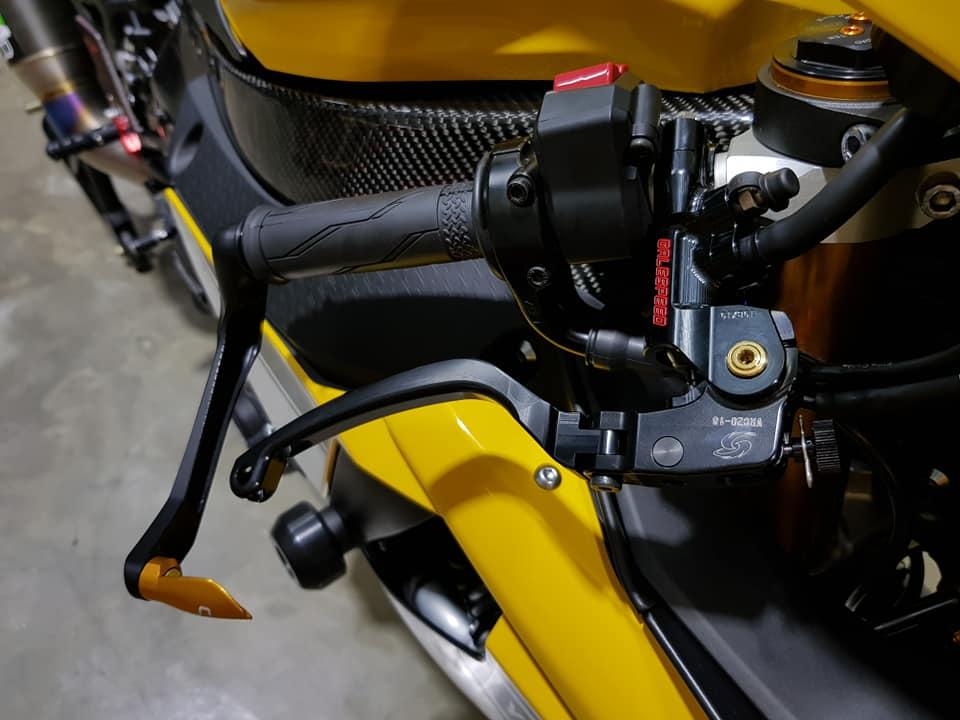Yamaha R1 phien ban 60th Anniversary voi loat nang cap het hon - 6