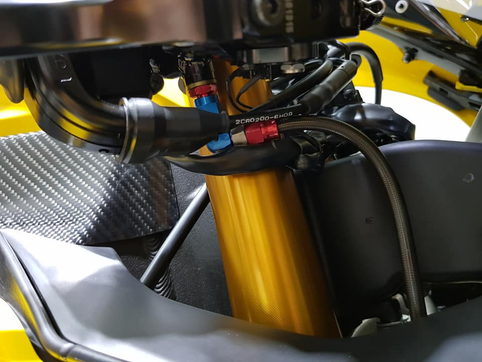 Yamaha R1 phien ban 60th Anniversary voi loat nang cap het hon - 9