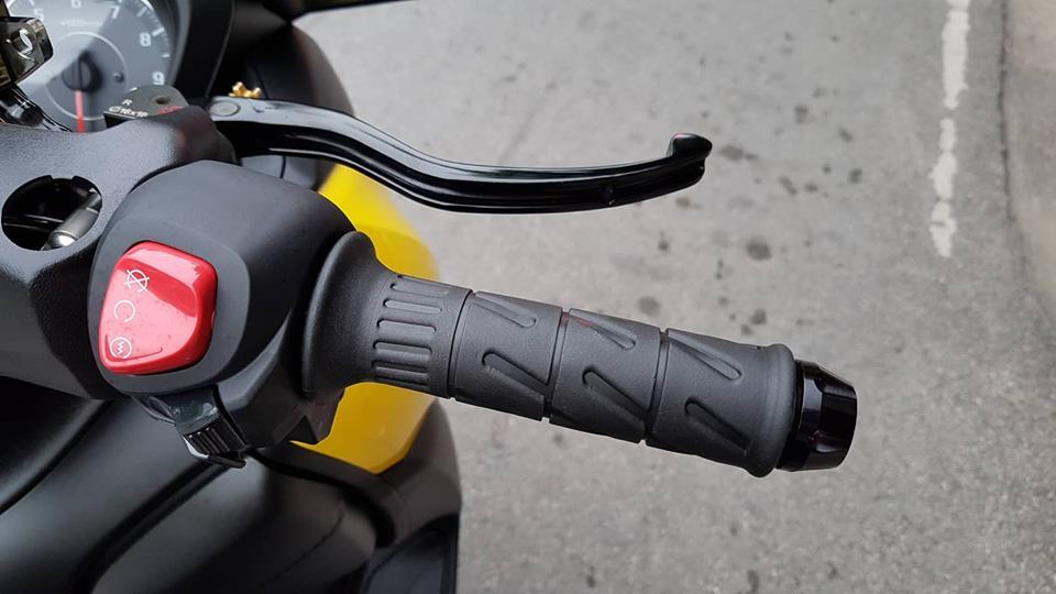 Yamaha XMax 300 ban do full option tren dat Thai - 7