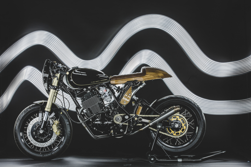 Yamaha XT600 ban do phong cach Dirt Racer den tu Lions Den Motorcycles - 11