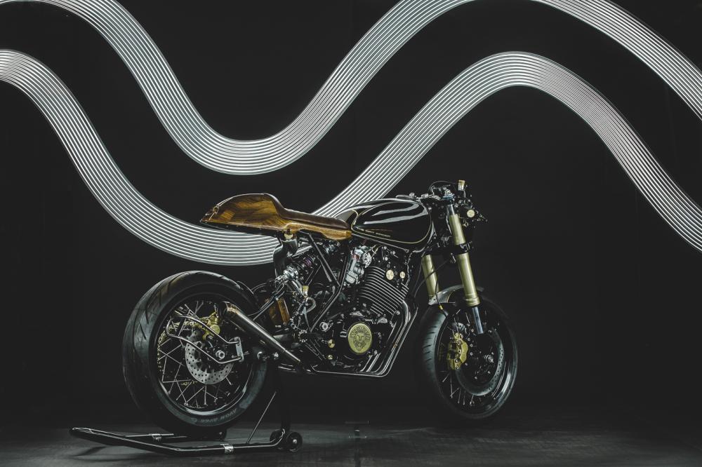 Yamaha XT600 ban do phong cach Dirt Racer den tu Lions Den Motorcycles - 15
