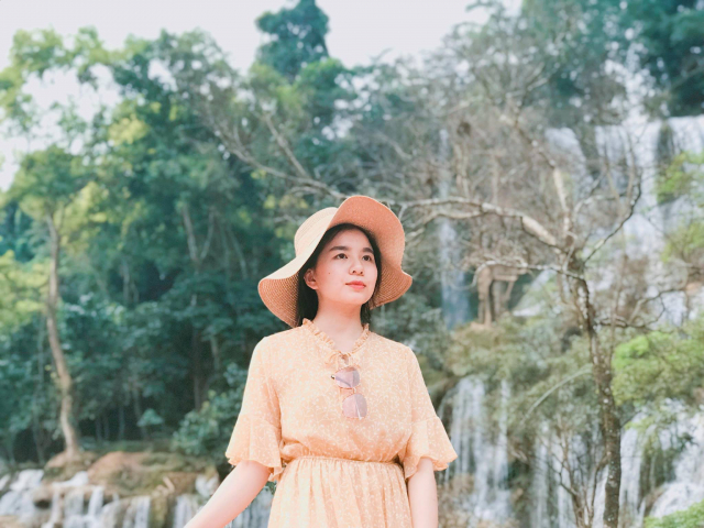 Clip Hanh trinh kham pha Moc Chau cua cap doi 9X dang yeu - 12