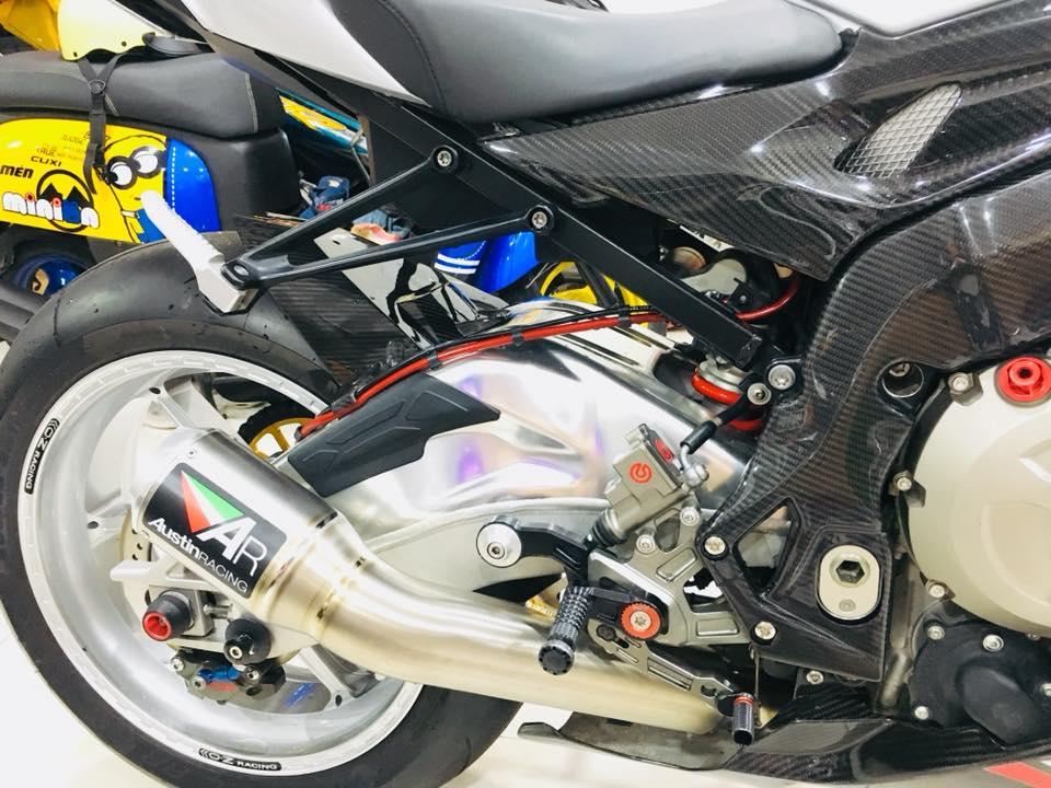 Dien kien sieu pham BMW S1000RR cua Biker dinh dam Sai Thanh - 8