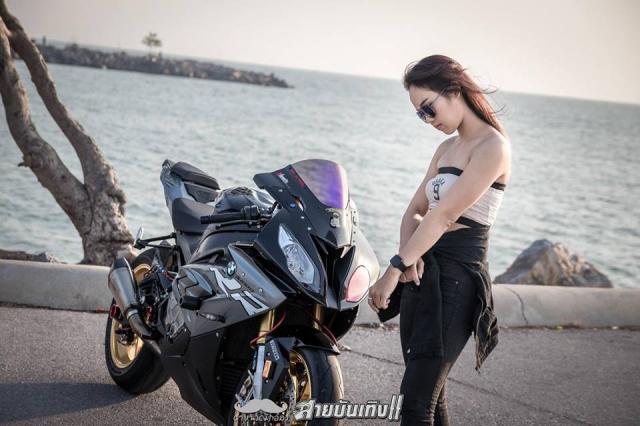 Do mat voi Sieu mo to BMW S1000RR do dang voi chu nhan xinh dep - 7