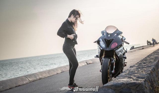 Do mat voi Sieu mo to BMW S1000RR do dang voi chu nhan xinh dep - 11