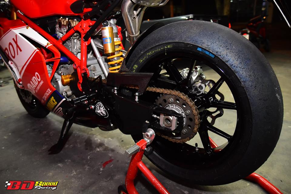 Ducati 749R Mo to huyen thoai Y hoi sinh voi phong cach tem dau Xerox - 23