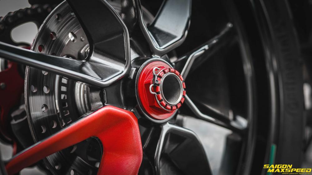 Ducati Hyperstrada 821 ban do bon tien cua Biker Sai Thanh - 24