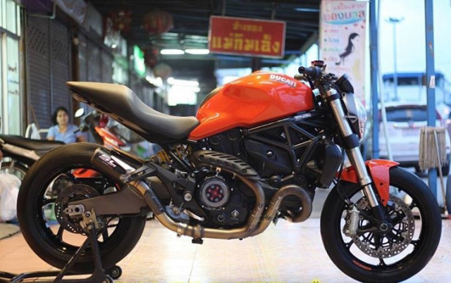 Ducati Monster 821 nong bong voi dan option hang hieu - 8