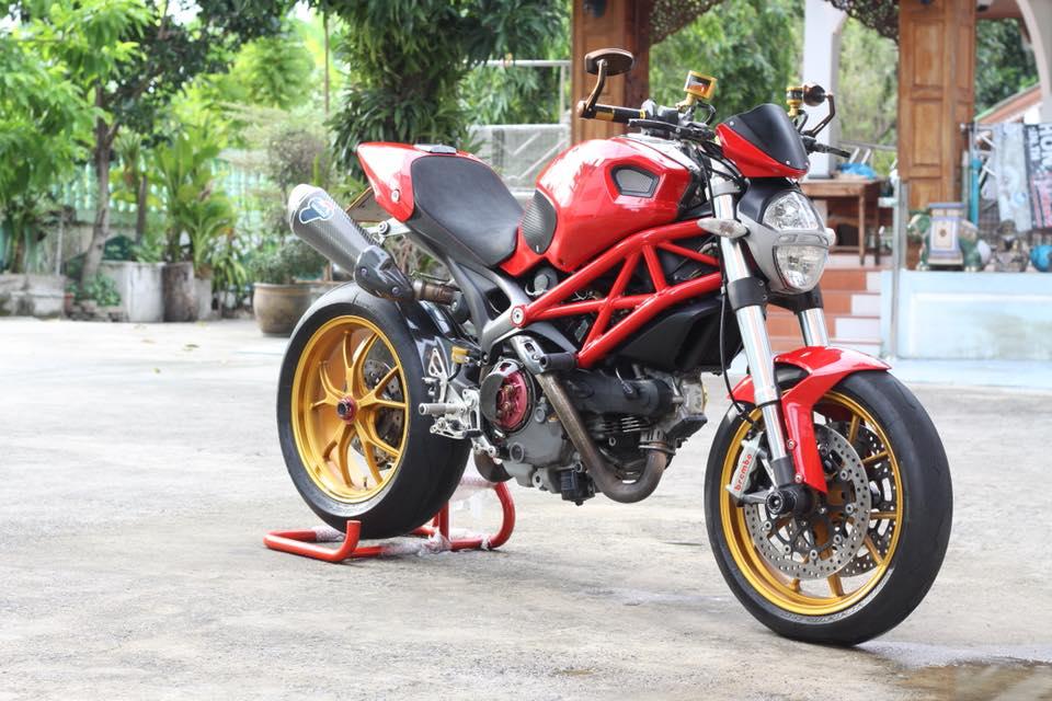 Ducati Monster 796 nang cap day noi bat tren dat Thai