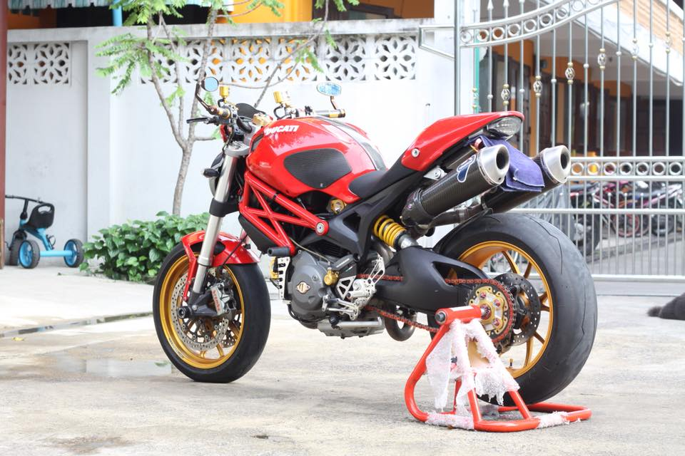 Ducati Monster 796 nang cap day noi bat tren dat Thai - 18