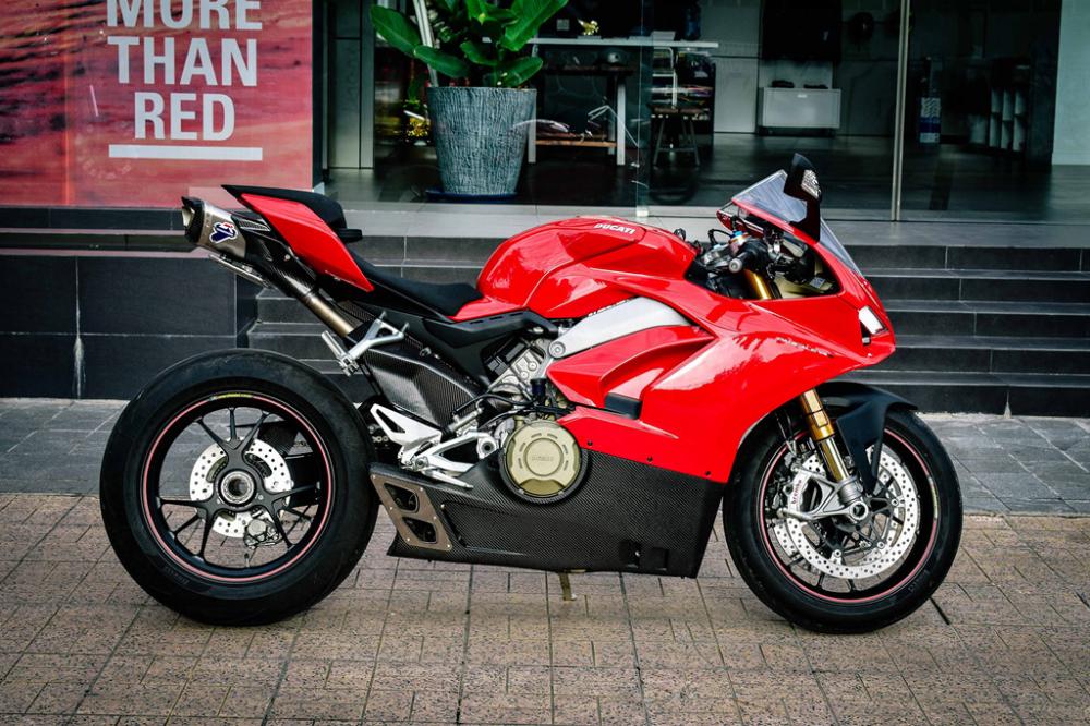Ducati Panigale V4 S do cang det voi dan ong xa Termignoni 4USCITE fullsystem gan 200 trieu tai VN