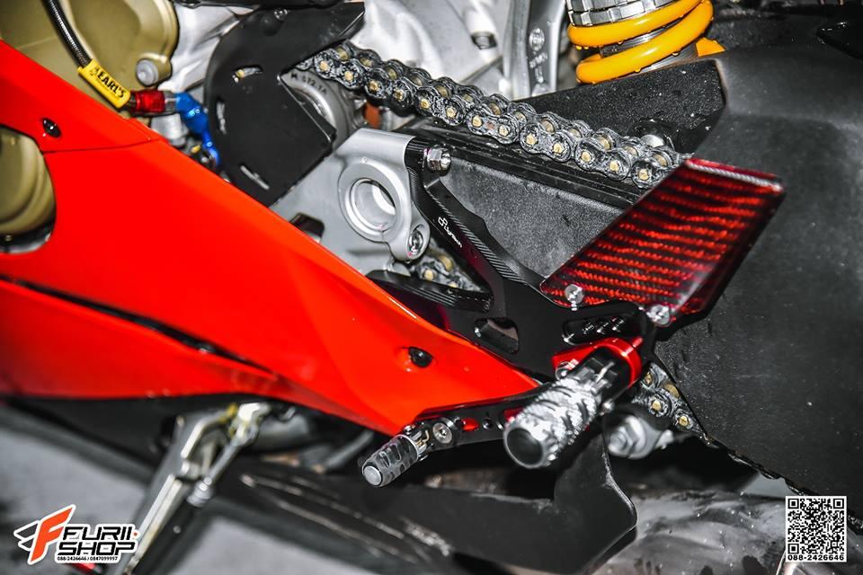 Ducati V4 Panigale ket hop tinh te voi dan thuong hieu Gale Speed - 9