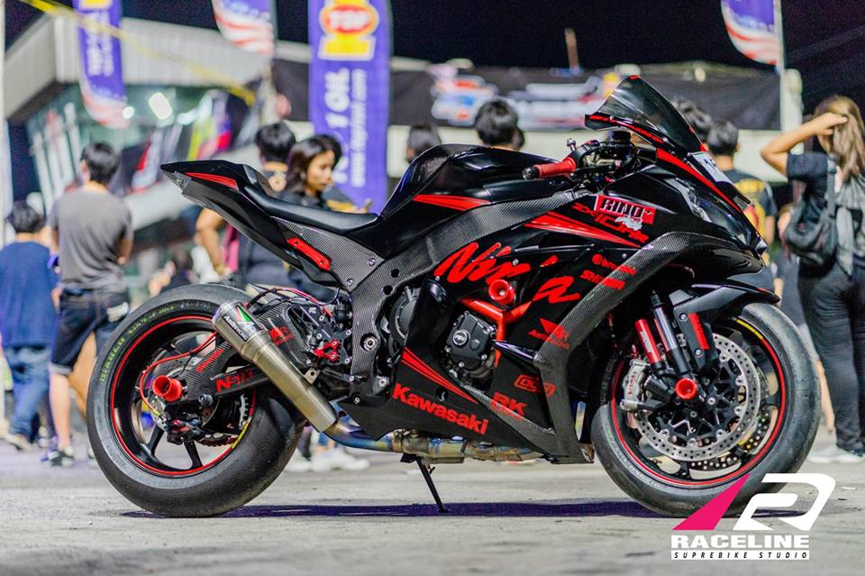 Kawsaki ZX10RR Superbike gioi han mang phong cach doi dua Kawasaki Racing Team