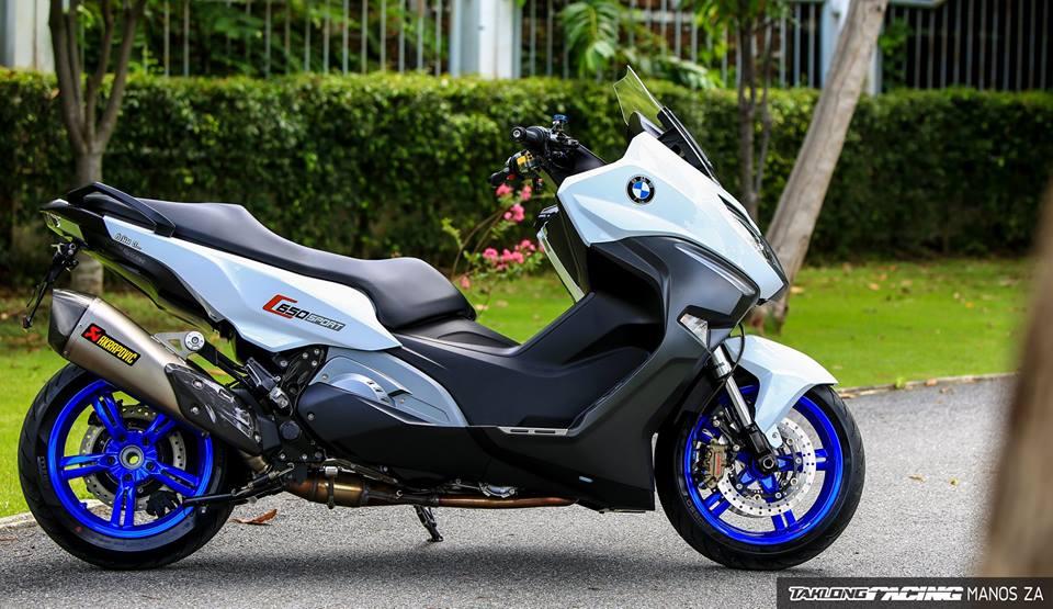 Man nhan voi ban do BMW C650 Sport tren xu Chua Vang