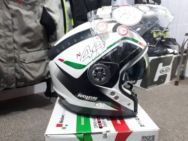 Moto299 Mu bao hiem tieu chuan Chau AU Nolan N44 mang toi su da nang da dung den kinh ngac - 5