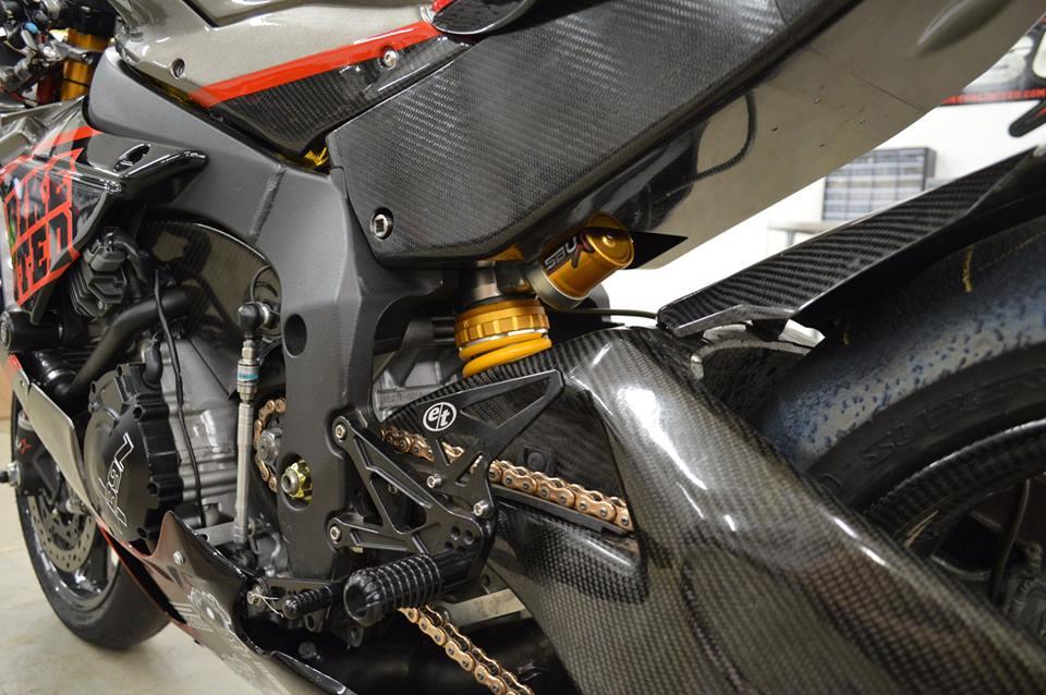 Soi dan option duong dua cua Sportbike Yamaha R1 - 6