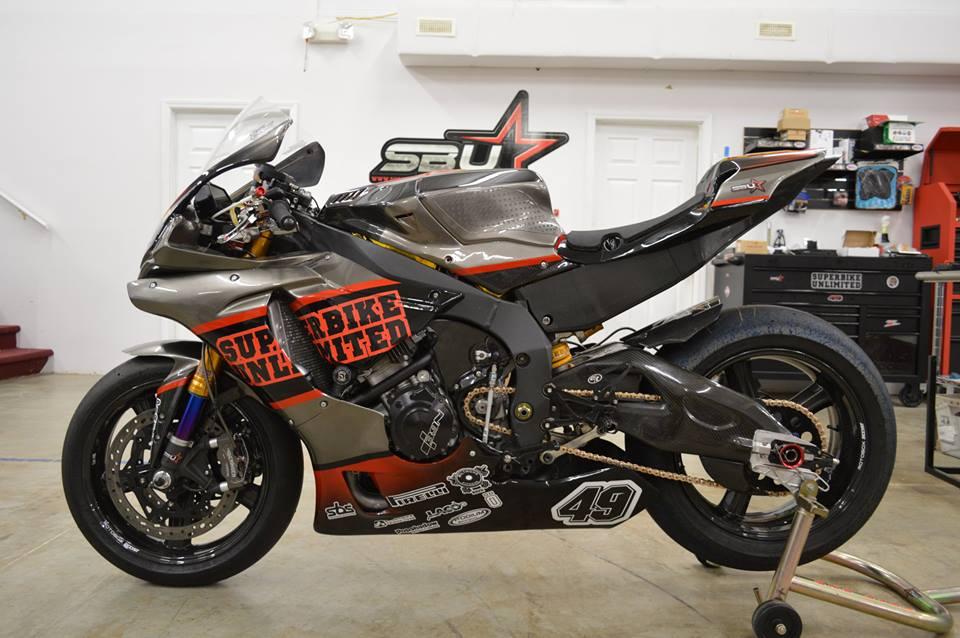 Soi dan option duong dua cua Sportbike Yamaha R1 - 10