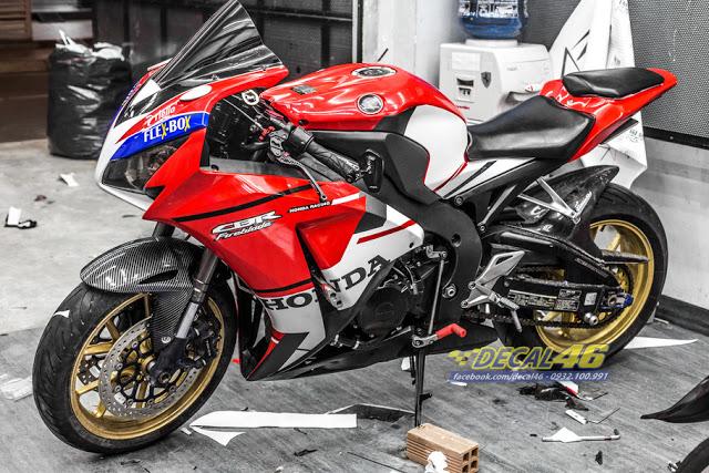 Tem xe CBR1000 Tem xe thiet ke Ducati V4