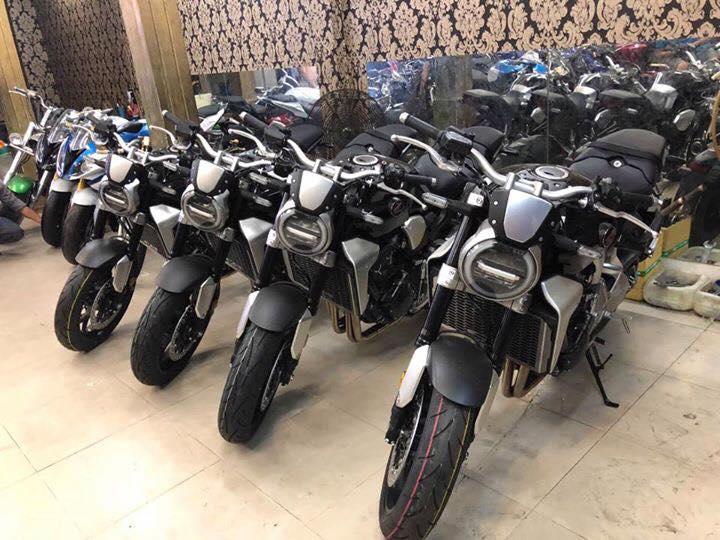 Tong hop xe moi va luot chau au dang co tai Ken MotoR Full options Buy abs Date 2019 - 9