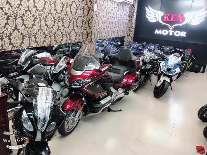 Tong hop xe moi va luot chau au dang co tai Ken MotoR Full options Buy abs Date 2019 - 10
