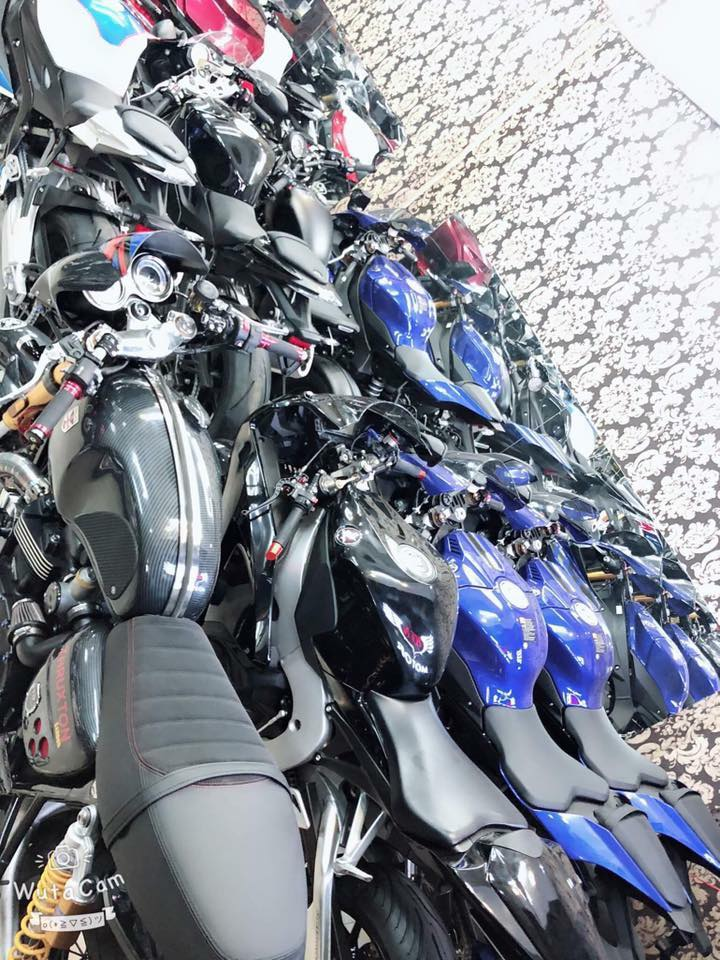 Tong hop xe moi va luot chau au dang co tai Ken MotoR Full options Buy abs Date 2019 - 11