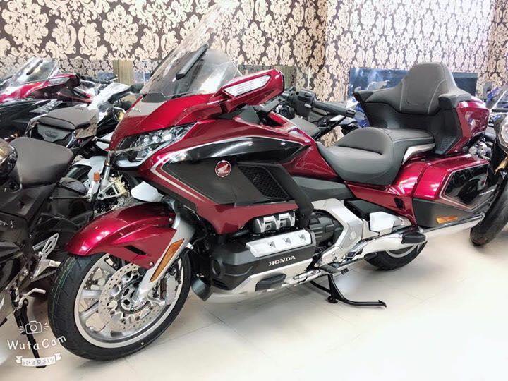Tong hop xe moi va luot chau au dang co tai Ken MotoR Full options Buy abs Date 2019 - 12