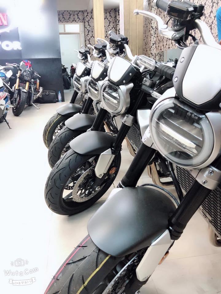 Tong hop xe moi va luot chau au dang co tai Ken MotoR Full options Buy abs Date 2019 - 13