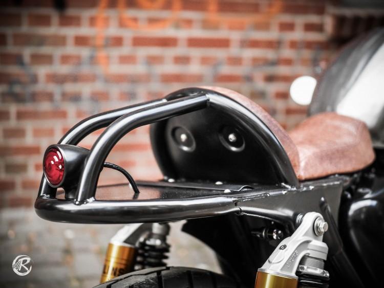 Triumph Thruxton chiem nguong dung nhan con Quai vat Duc - 5