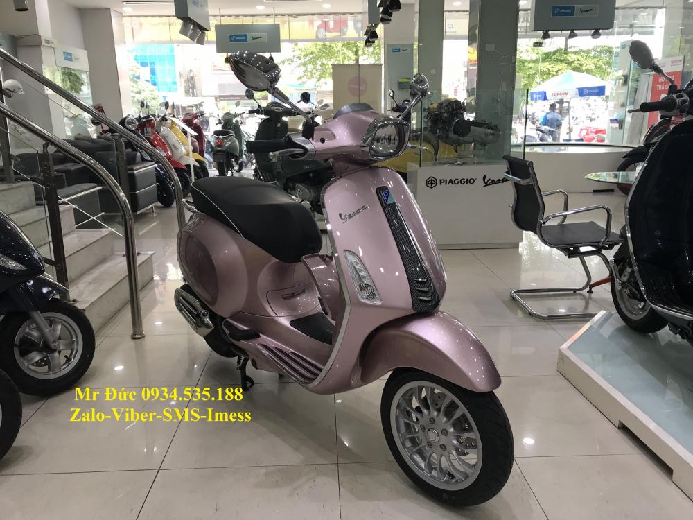 Vespa Sprint Carbon Hong 2018