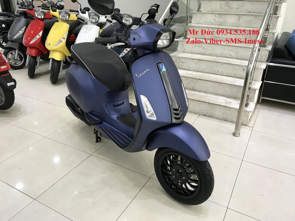 Vespa Sprint Carbon Xanh 946 - 2