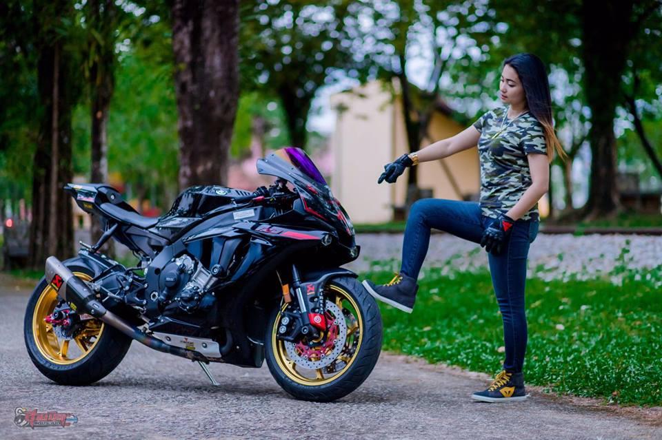 Yamaha R1 Sieu pham duong pho dien kien cung nu Biker Thai - 5