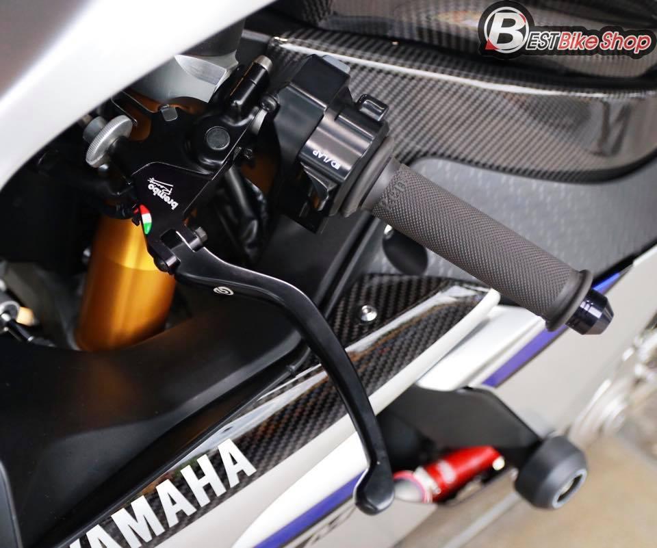 Yamaha R1M phien ban dac cach sac mui Carbon World - 6