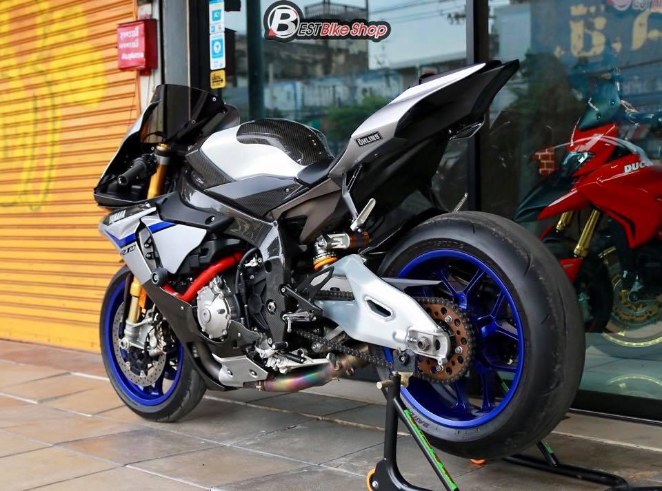 Yamaha R1M phien ban dac cach sac mui Carbon World - 16