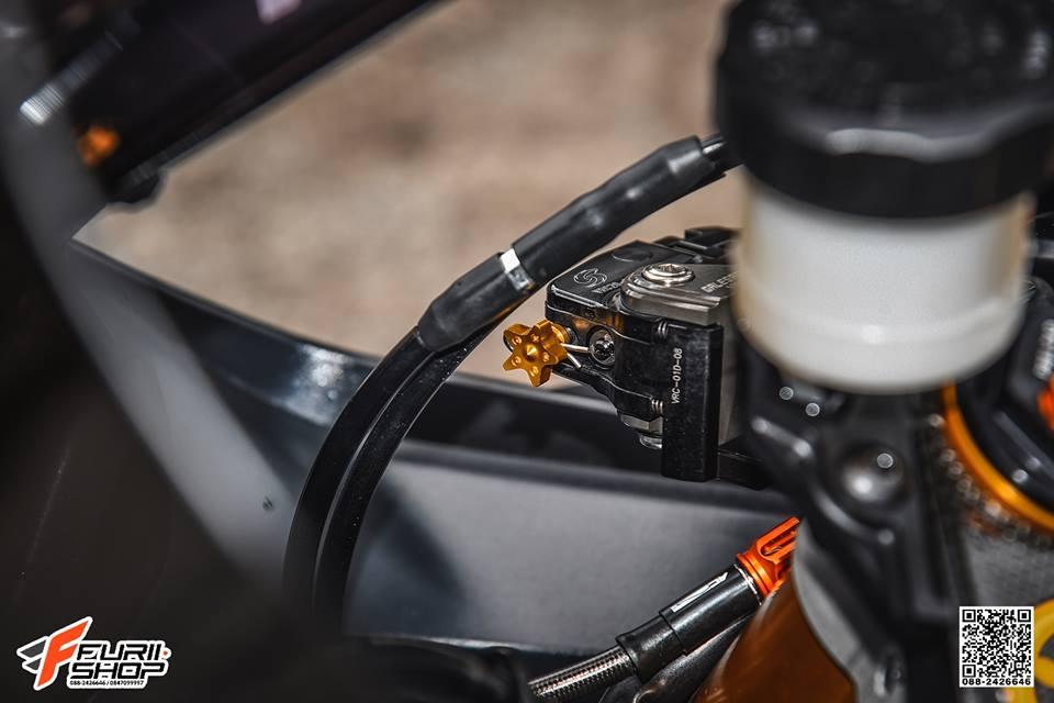 Yamaha R6 Ngua hoang hap dan voi dan trang bi Gale Speed - 4